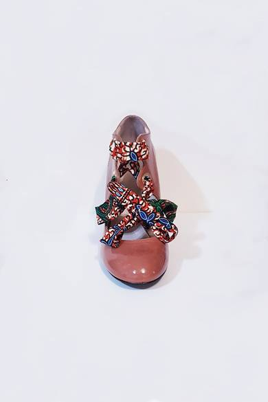 Coral coloured heel shoes with coloured lace made in Italy Arctic frontal Crack